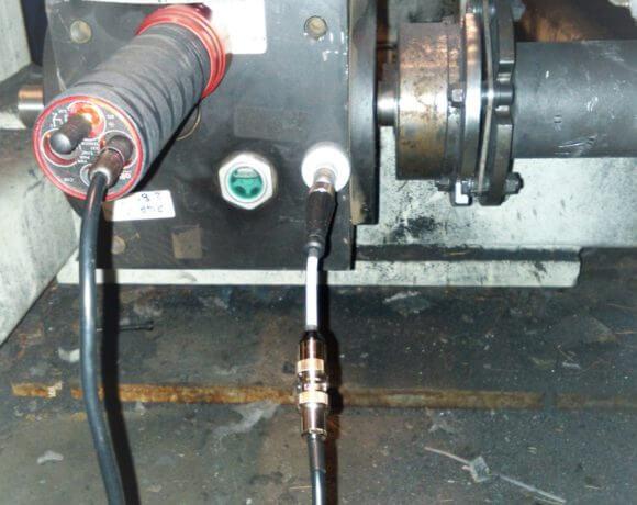 Przemysł motoryzacyjny: kontrola parametrów pracy napędu.