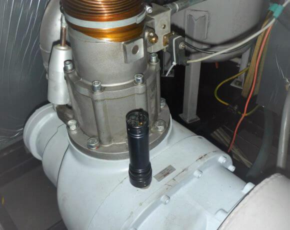 Przemysł maszynowy: ocena jakości i serwis kompresorów.