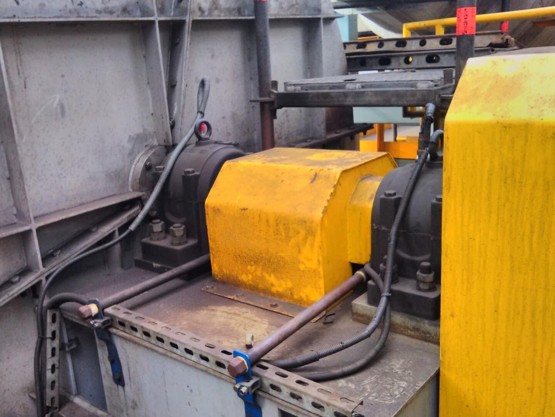 Przemysł metalurgiczny: nadzór drganiowy wentylatora wyciągowego.